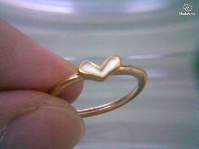 ABRGM-L005S Love Shape White Color Golden Ring Sz5
