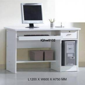 Computer Table / Writing Table Model iQhw8132
