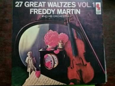 119 Piring hitam Freddy Martin Vol 1 lp not ep
