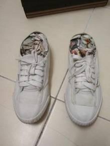 Fipper shoes