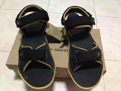 Sandal size 44 jenama Line 7