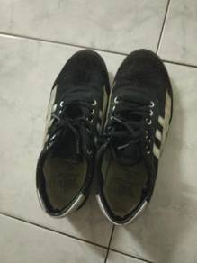 Leo shoe