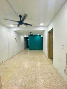 1st FLOOR!! Mutiara Court Apartment, Cheras (RENOVATE + VIEW KL)