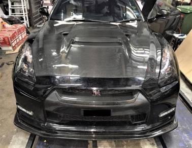 Nissan GTR R35 Varis Hood Carbon Bonnet