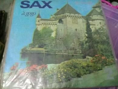 119 Piring hitam Sax A gogo lp not ep