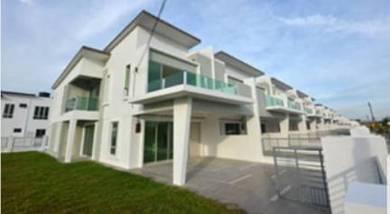 Double Storey End Lot Teres House (30x80) at Bandar Sri Sendayan