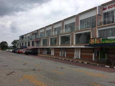 3 Storey Shop Office (2Units) Taman Bukit Tropika Yong Peng