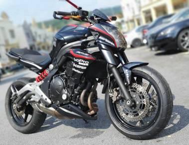 Kawasaki Er6n black raven 2012 er-6n er6 like new