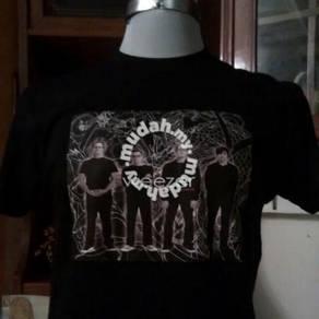 Weezer band tshirt