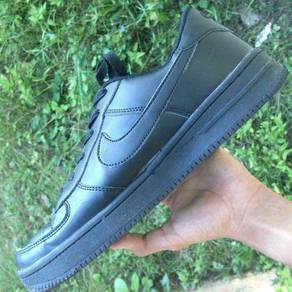 Nike airforce 1 all black