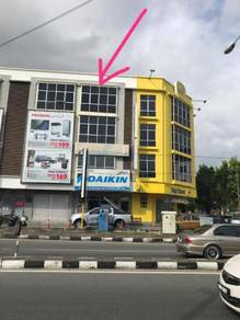 Kedai empat (4) tingkat di jalan sultan sulaiman, kuala terengganu