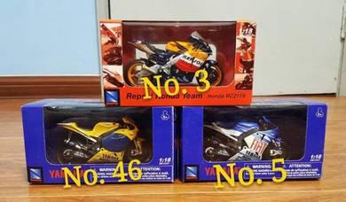Newray 1:18 MotoGP Yamaha Honda Diecast Motor