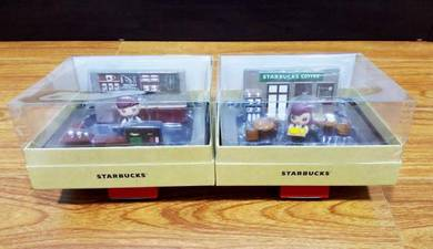 Starbucks Male & Female Barista DIY Figure Set