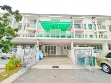 FREEHOLD🔥6 Bedrooms 5 Bathrooms 3 Storey Terrace Aman Permai Bangi