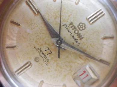 Vintage Titoni 77 jewel automatic watch