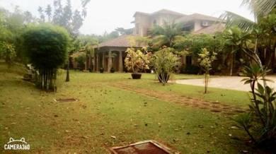 BANGLO, TANAH SELUAS 1 EKAR, with swimming pool, U17, Shah Alam