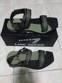 Sandal LINE 7 warna KHAKI size 7