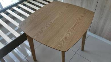 Maple Square Table wt Drawer TN282