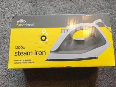 Wilko steam iron 1300w