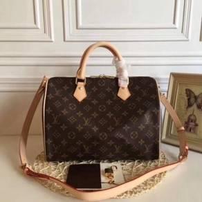 Louis vuitton monogram speedy handbag