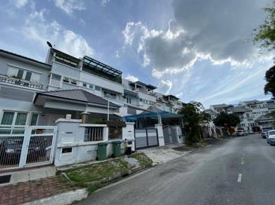 Nautilus Bay, 2.5 Storey, Karpal Singh Drive, Super Cheap unit