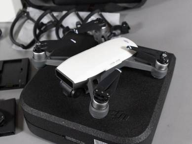 DJi Spark Alpine White Drone- 12MP 1080