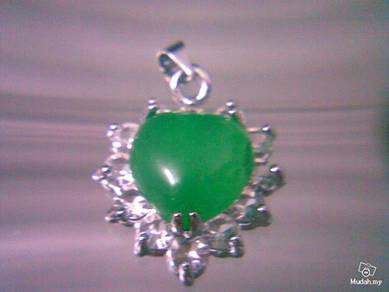 ABPJ-H014 Heart Love Silver Green Jade Necklace