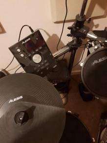 Alesis Crimson Electric Mesh Drum Kit