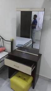 Brown Sliding Mirror Dressing Table TN289