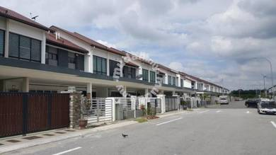 Facing open!! Ariana type 2 storey house for sale in bndr puteri klang