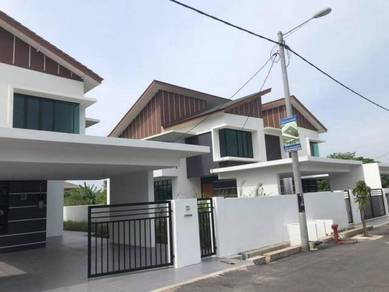 Double Storey Semi-D Corner Lot At Bukit Setongkol