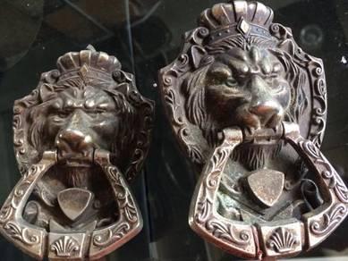 Antique Vintage Lion Design Door Knocker