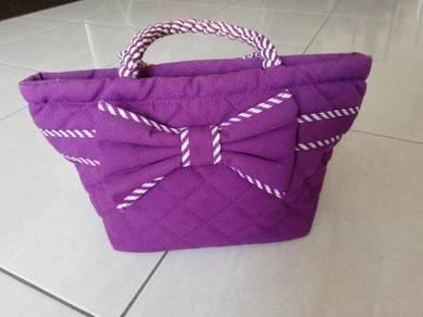 Naraya clutch bag