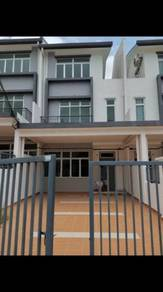 Taman Pulai Mutiara 2.5 Storey Terrace House