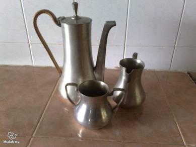 Teko antique Selangor Pewter Malaya tea set