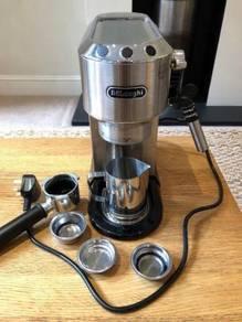 Basically new DeLonghi Espresso Machine with Milk