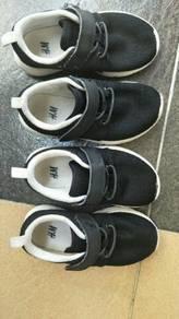 HM sport shoes