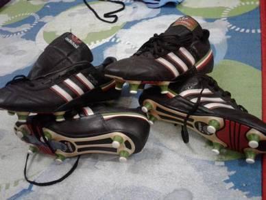 Adidas world class vintage