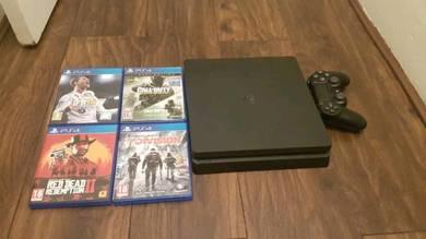 Playstation 4 jet black console