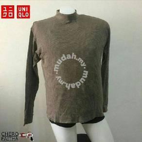 UNIQLO longneck longsleeve shirt