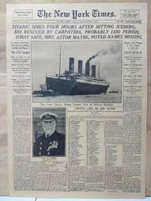 Sinking of titanic news poster
