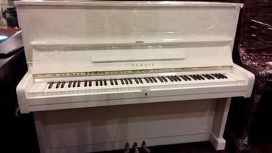 Yamaha Upright Piano U1EPW