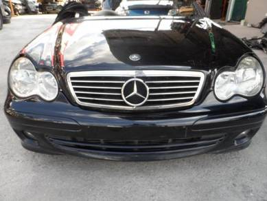 Mercedes c class 203 half cut & parts