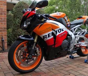 Honda CBR1000RR FireBlade excellent