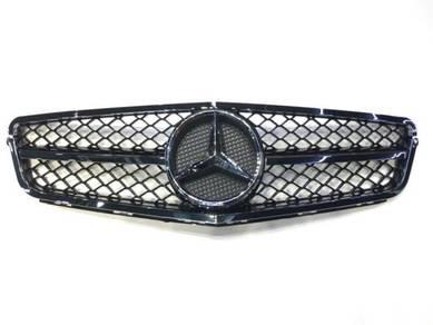 Mercedes Benz W204 AMG C63 AMG Grill