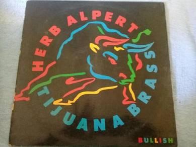 119 Piring hitam LP HERB ALPERT TIJUANA BRASS