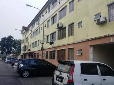 Apartment puncak alam direct owner below market price
