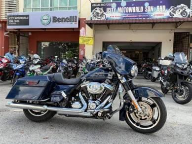 2017 Harley Davidson FLHX Street Glide 103