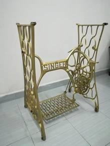 Ber1 Antique Singer Sewing Machine Stand Antik