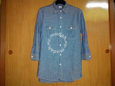 Kemeja uniqlo chambray blue